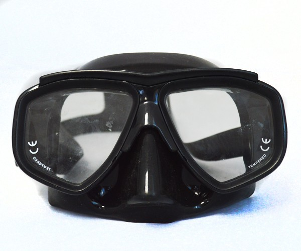 Cheap black dive mask