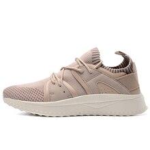 Здесь можно купить   2018 New Breathable Men Running Shoes Suede+Fabric Men Sneakers Lightweight Sport Shoes Men Jogging Walking Athletic Shoe Sneakers