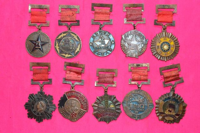10PC China Chinese Different Military Army Award Memorial Medal Collectible