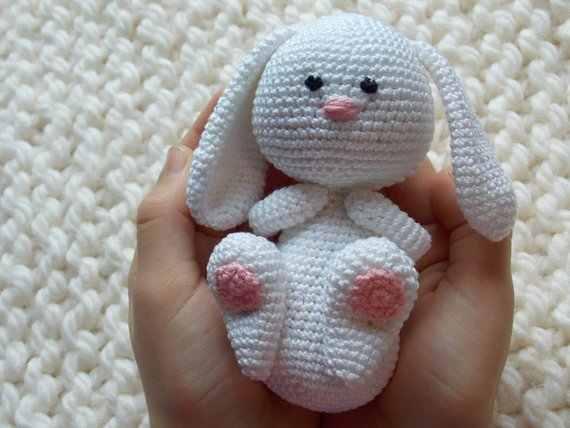 Amigurumi bunny with Easter egg - Amigurumi Today | 428x570