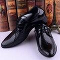 Nuevo 2016 Moda Estilo Italiano Zapatos de Los Hombres de Lujo de Los Hombres Vestido de Novia de Negocios Oxfords Planos Ocasionales Zapatos Derby de Cuero Negro