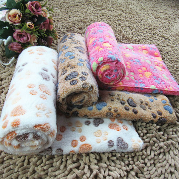 P04 Warm Pet Dog Bed Mat Cover Blanket Soft Fleece Towel Paw Handcrafted Print Puppy Dog Cats House Bed Winter Pet Supplies