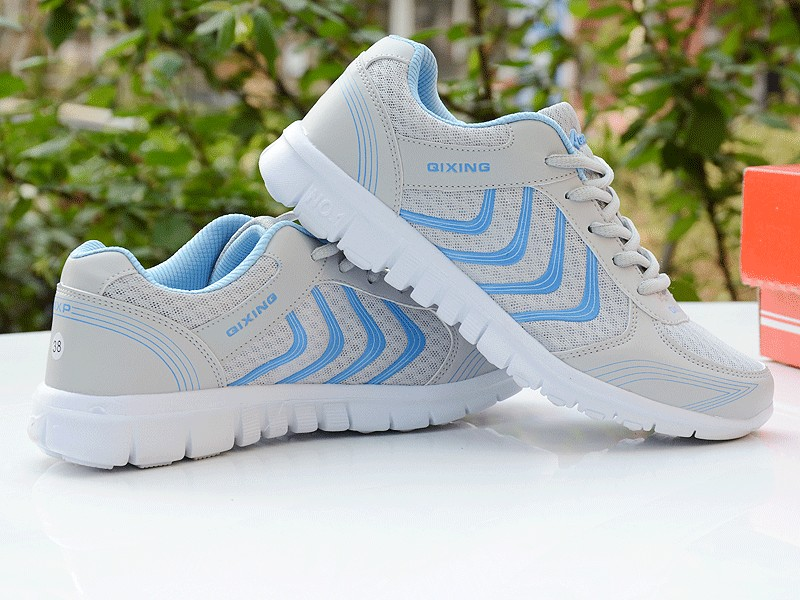 Foto from the back 2 piece Women's breathable light sneakers for tennis. Women's breathable light shoes for basketball white color with white with blue
