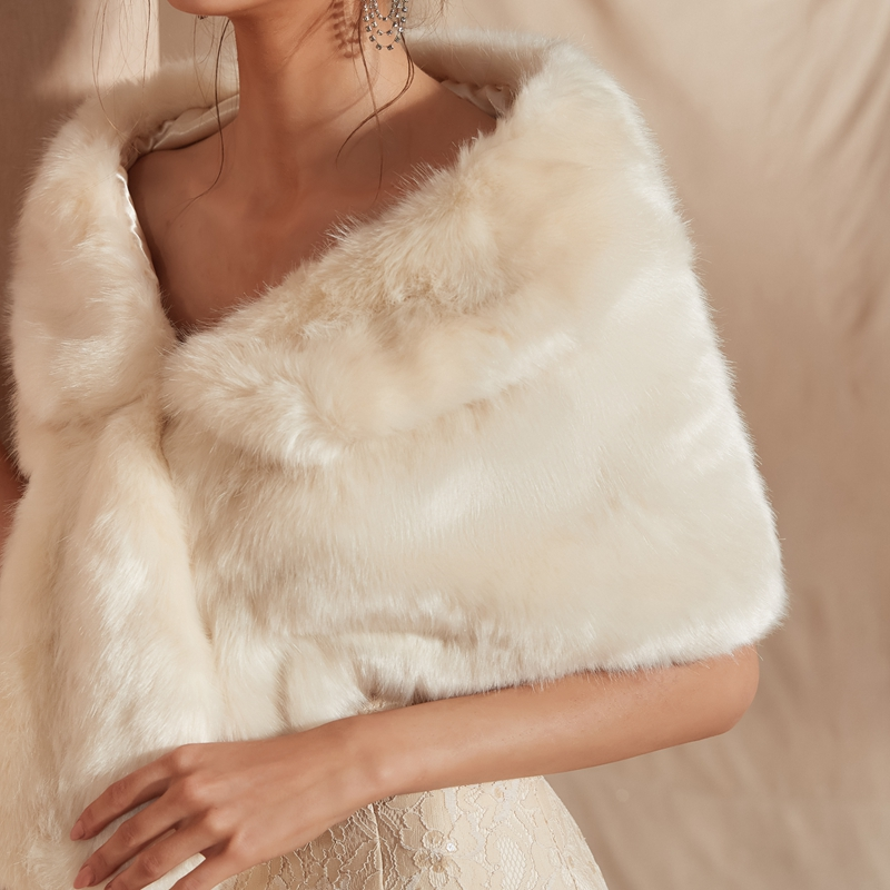 Купить с кэшбэком In Stock Ivory white  Fur Shawl Wedding Wrap For Formal Dress Cheongsam Married Outerwear Bridal Cape Autumn Winter Jacket