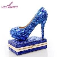 Королевский синий со стразами свадебные туфли с Модные прозрачные подходящая сумочка вечерние Высокие каблуки с муфтой Свадебная обувь Же