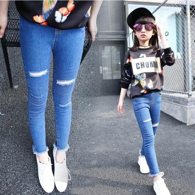 Crianças roupas de primavera e outono meninas novas calças jeans casual crianças calças de jeans buracos quebrados meninas causa calças