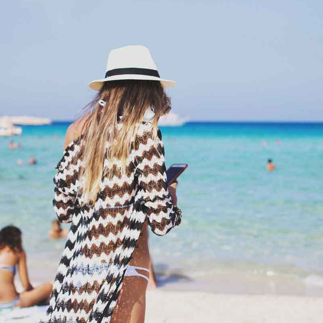 Women's Black and White Wave Beach Cover Up 2