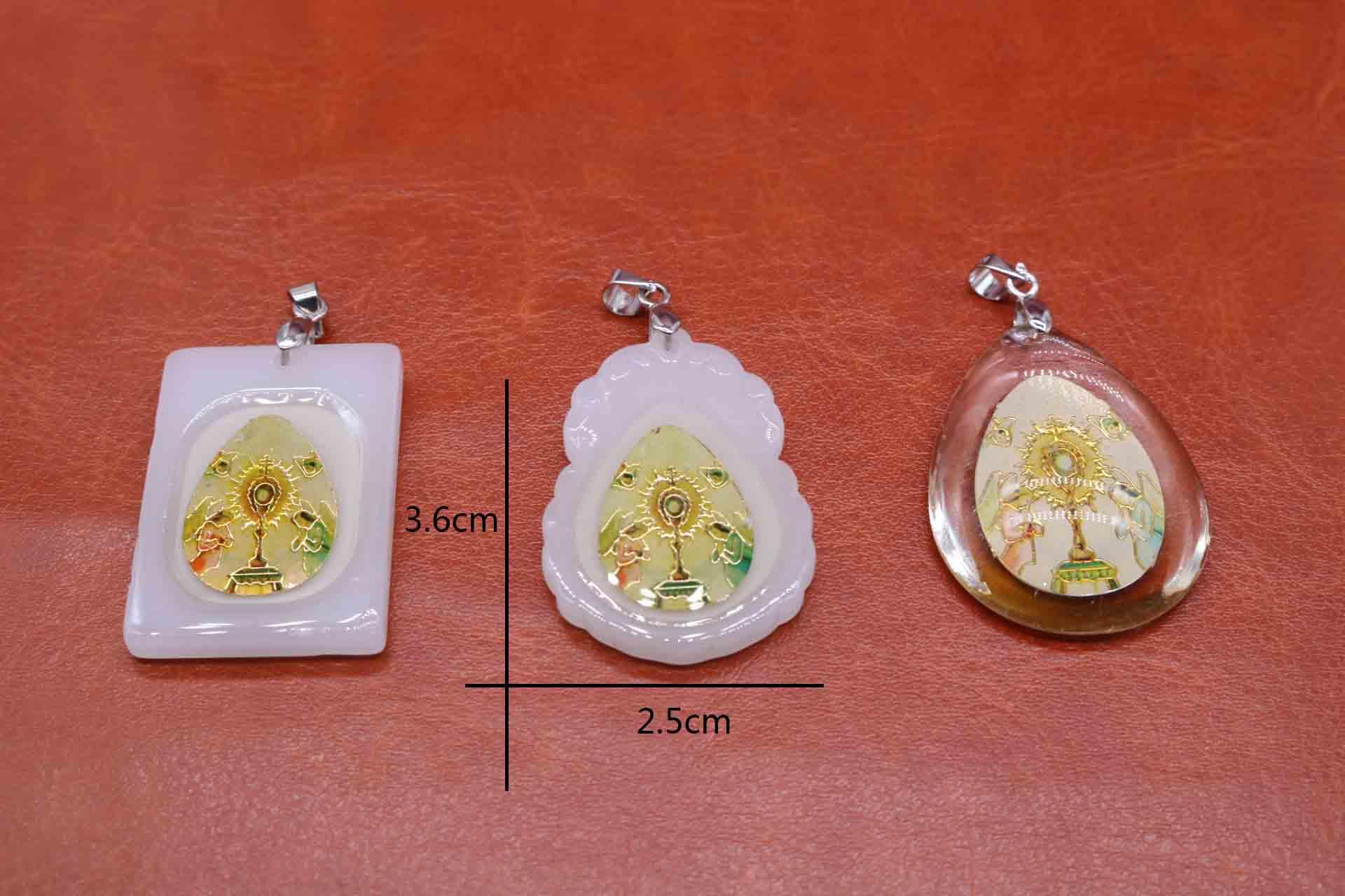 Wholesale 10pcs. religious Holy Grail. Glass pendant. Imitation glass Quartet cross pendant. Noctilucent.