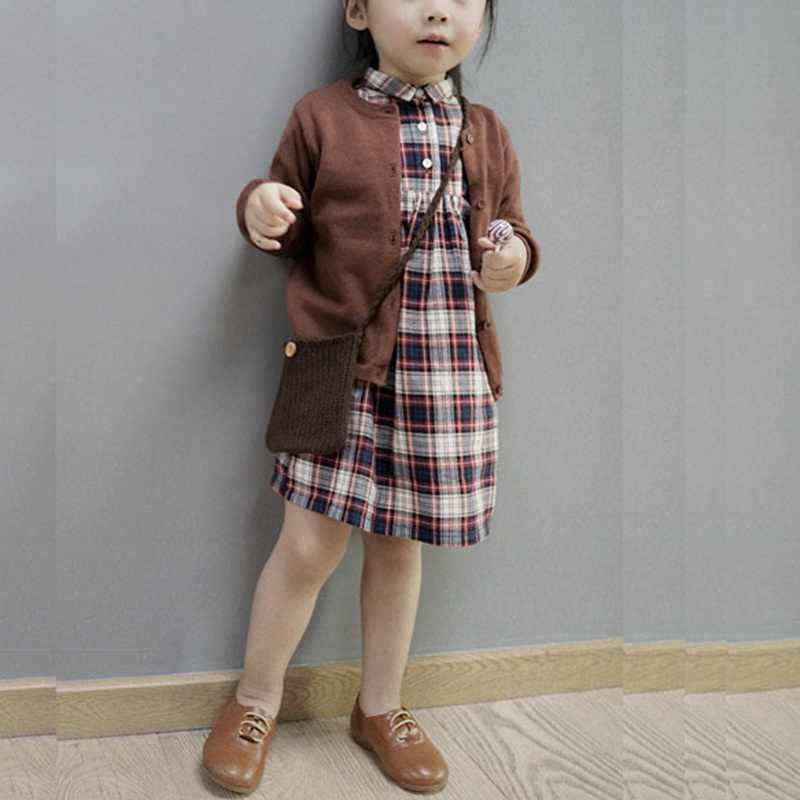 秋冬コットンセータートップベビー子供服男の子女子ニットカーディガンセーター子供春の摩耗新しい