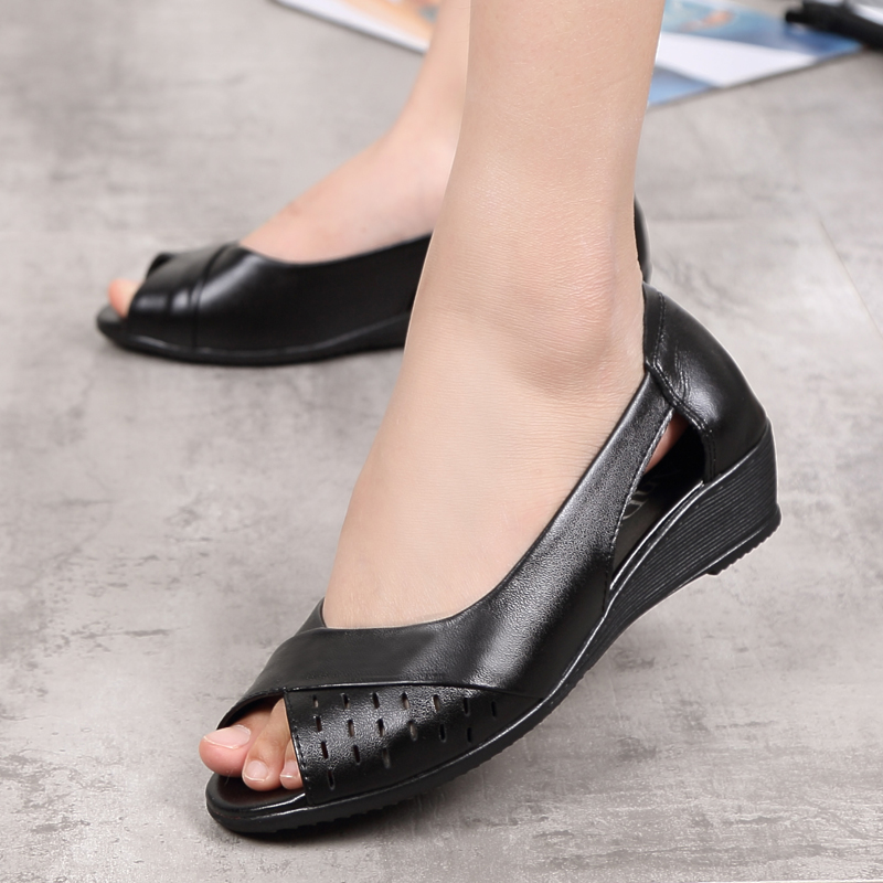 a951a3806876 ZZPOHE Women Shoes 2017 Summer New Fashion Genuine Leather Woman Sandals  Plus Size Ladies Flats Sandals Female Sandals-in Low Heels from Shoes on ...