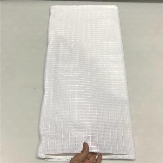 Nuovo design di colore Bianco tessuto nigeria atiku tessuto di buona qualità degli uomini di tessuto nuovo colore atiku tessuto per gli uomini di produzione di abbigliamento