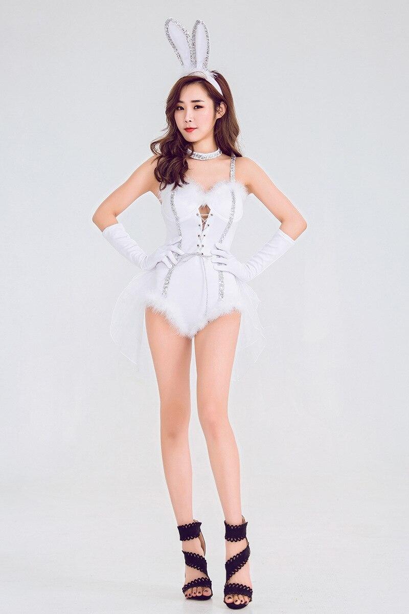 1804ed5caec1 Las mujeres Sexy traje de conejito de Halloween ropa interior traje  compañero mameluco Cosplay ...