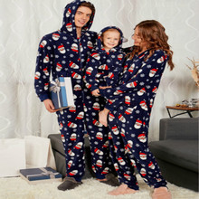 Купить с кэшбэком Parents and Children Pajamas Paternity Suit Print Cap Mommy and Me Clothes Family Matching Clothes Family Christmas Pajamas