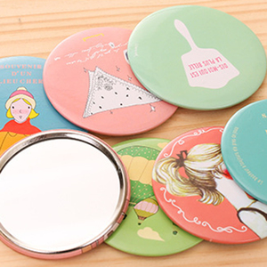 Popular Cartoon Portable Small Mirrors Round Shaped Cosmetic Mirror Color Random