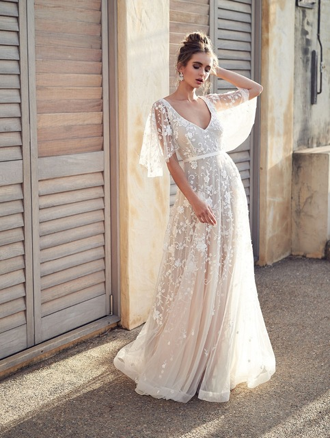 5d2ab8c3f New Beach Wedding Dress 2019 vestido de noiva V-neck Lace Wedding Gowns  Princess Bridal Dresses Cheap In Stock