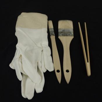 Szczotka do wełny i bawełniane rękawiczki i klips do złocenia liści 4 elementy w zestawie tanie i dobre opinie LS-BCG goldburg standard or man and female 4 pieces per set 100 cotton anti-static 100 Gilding leaf white China wool brush