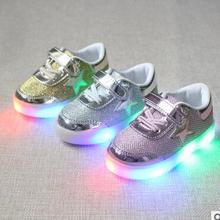 2017 nuevos niños shoes moda lindo zapatillas de deporte del bebé llevó la lámpara de los niños casual shoes tamaño 21-30