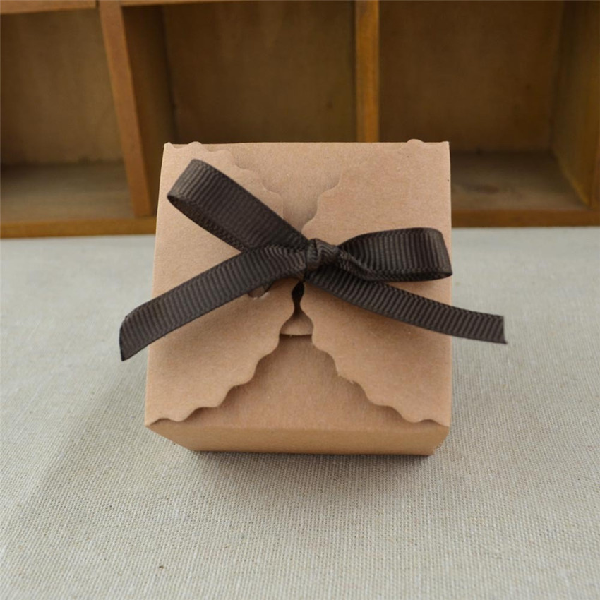 100pcs RUSTIC WEDDING White/Brown Color Kraft Paper Box Gift Candy Box With Ribbon Shabby Chic Party Favors Decoration Supplies