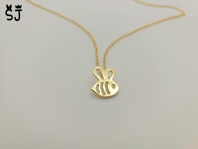 il pendant bee etsy simple dainty tiny everyday qqhs necklace gold market bumblebee charm