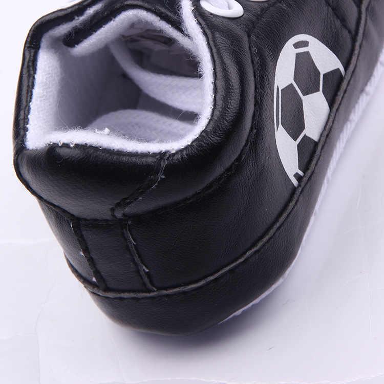 Antislip Zachte Zool Voetbal Sport Sneakers 3-18 M Voetbal Baby Boy Meisjes Crib Schoenen Kid Lederen Kant-up Zuigeling Laarzen Bebe Booties