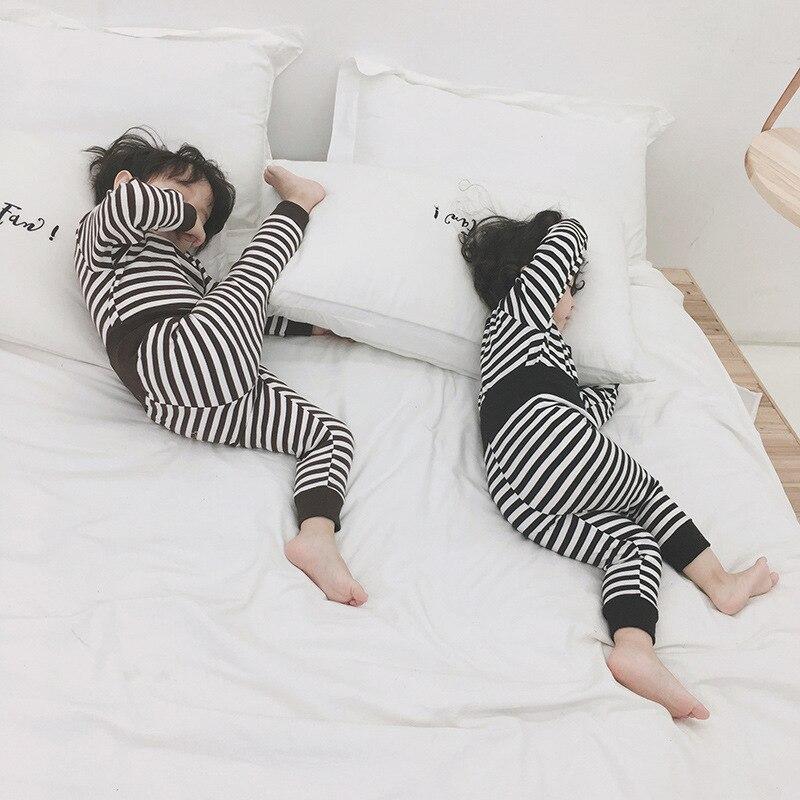 Listrada + calças 2 pcs Crianças Sleepwear Bebê algodão Terno Ocasional
