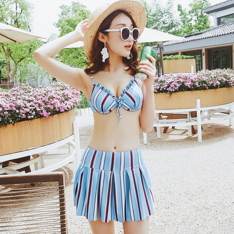 Summer NEW 2017 Sexy white lace cover-ups Three-piece swimsuit Striped Push Up Skirt bikini Swimwear beach women bathing suits white lace up swimsuit