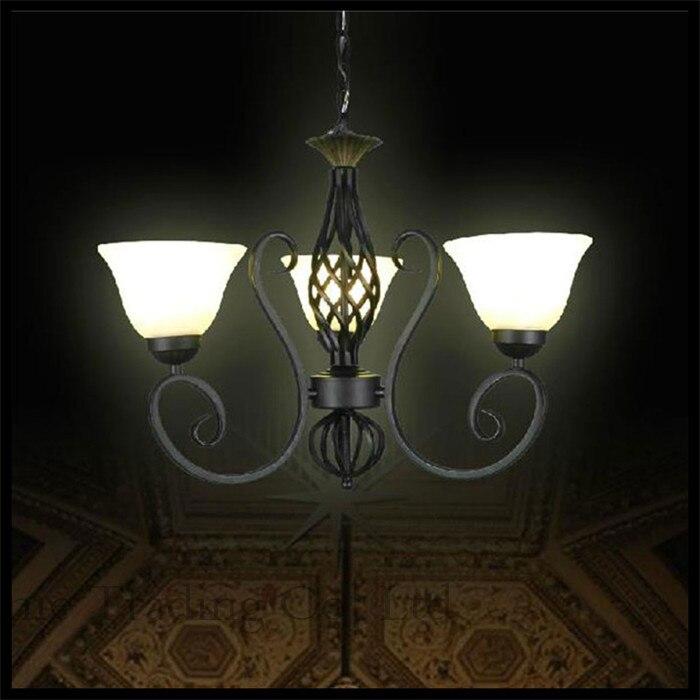 110 V 240 AC Glanz Traditionellen Vintage Eisen Kronleuchter 3 Lichter E27 Milchglas Lampenschirm