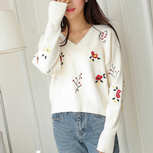 Autumn Fashion Knitted Embroidery Floral Pullover Sweaters Ladies Long Sleeve V Neck Large Size Loose Sweaters Femme Jumper Tops