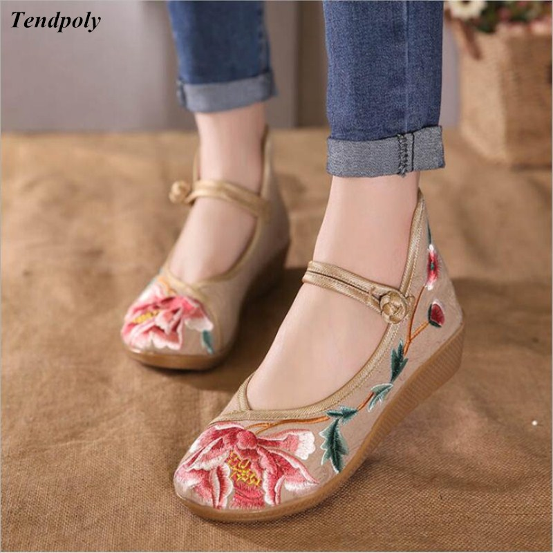 Comfortable soft bottom Chinese old Beijing cloth shoes family name wind in the old lady all-match slip Women's shoes leisure vintage embroidery women flats chinese floral canvas embroidered shoes national old beijing cloth single dance soft flats