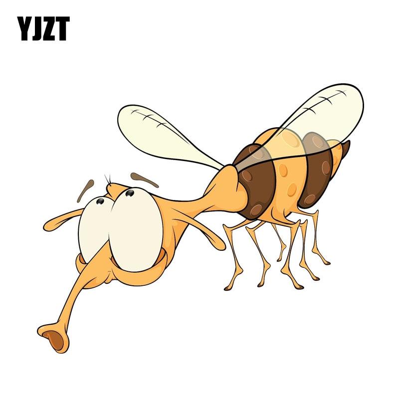 YJZT 13.6CM*8.31CM Car Styling Cartoon Bee Car Sticker Accessories Creative Decal 6-2274