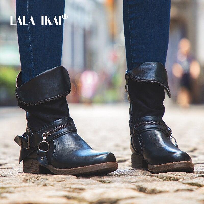 купить LALA IKAI Women Motorcycle Boots Winter Ankle Boots Zipper Metal Ring Decoration Velvet Leather Western boots 900A2191 -49 по цене 1965.13 рублей