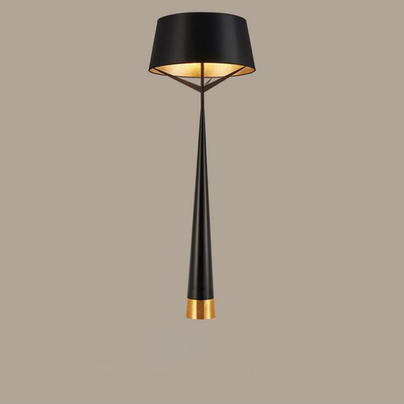 Nordic gold black hotel room floor lamp post modern bedroom dining room study hall club floor lamp LED lighting fixture led lamp цены