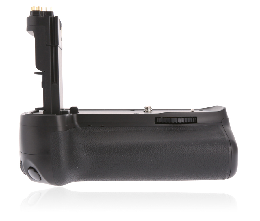 Voking Vertical Auto-Focus Battery Grip Holder VK E13 works with two LP-E6 battery packs or six AA Batteries for Canon 6DVoking Vertical Auto-Focus Battery Grip Holder VK E13 works with two LP-E6 battery packs or six AA Batteries for Canon 6D