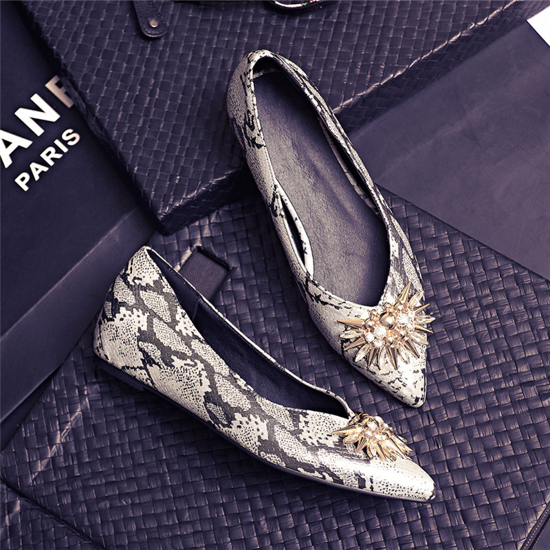 New 2017 Spring Summer Crystal Handmade Flats Women Toning Shoes Pointed Toe Fashion Ladies Casual Boat Shoes Plus Size 34-43 plue size 34 49 spring summer high quality flats women shoes patent leather girls pointed toe fashion casual shoes woman flats