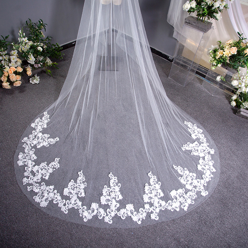 3 Meters White Ivory Cathedral Mantilla 2019 New Wedding Veils Long applique Edge Bridal Veil with Comb Wedding Accessories