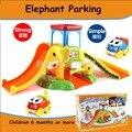 Crianças de elefante dos desenhos animados de estacionamento órbita carro de estacionamento de cada família tem montado construção brinquedo