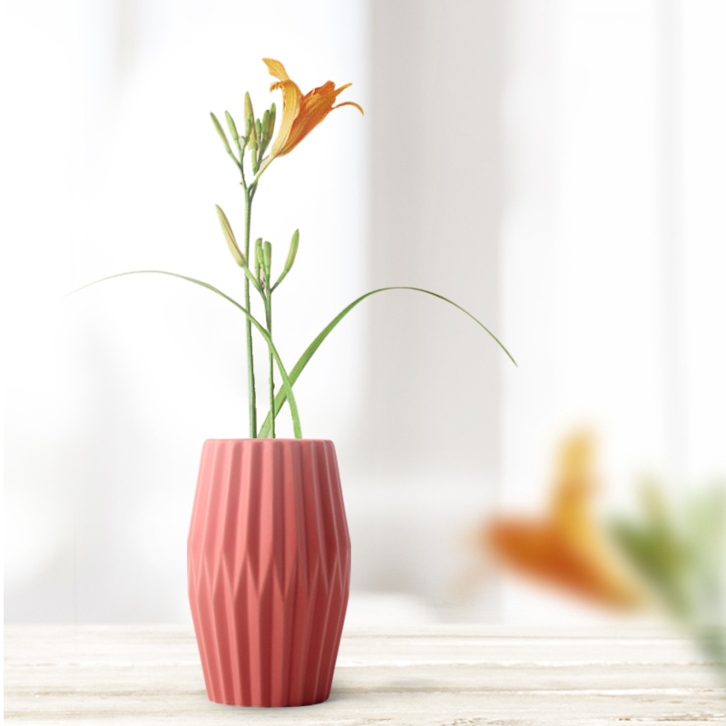 The Origami Ceramic Tabletop Vases 1