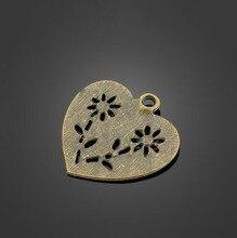 купить 50pcs Antique Bronze Love Charms Pendant -DIY Jewelry Accessories Findings For Necklace Bracelet Metal Fashion Bag 29.9X29.1mm дешево