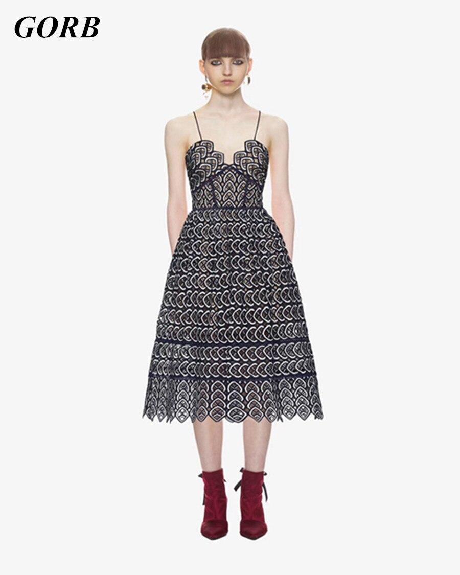 Haut de gamme personnalisé SP 2018 nouvelles femmes chaudes sans manches dentelle piste ourlet longue robe dames de haute qualité Spaghetti sangle robes de soirée