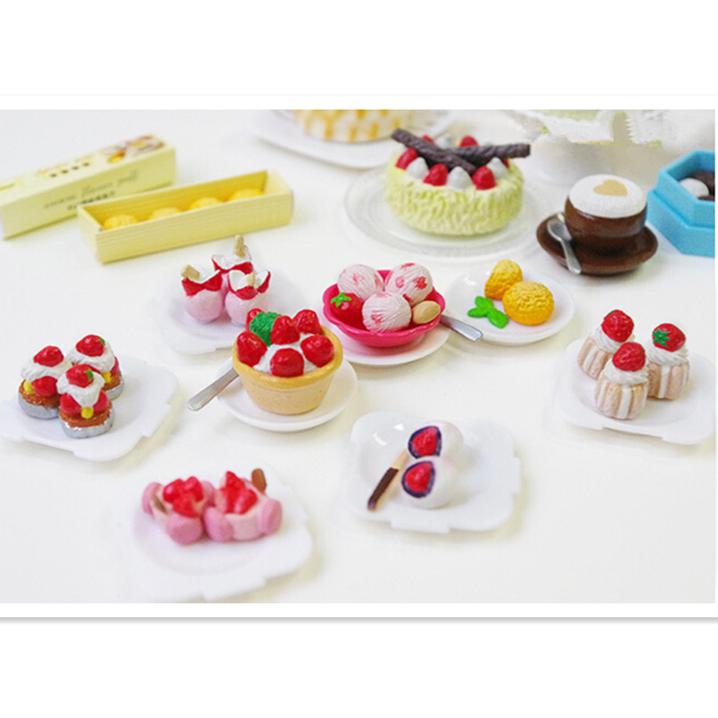 5Pcs Strawberry Cakes Miniature Food Models Dollhouse Accessories P*CA