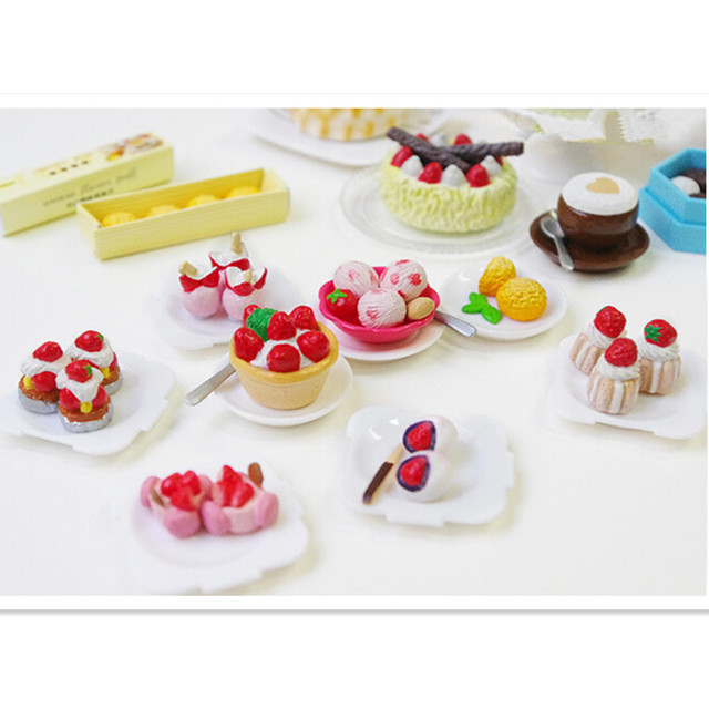 Cute Miniature Kitchen Dollhouse the Story of Cakes Plastic Play Food,Funny Miniature Doll Food Baby Kitchen Set