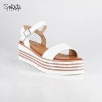 SOLADA platform sandals White