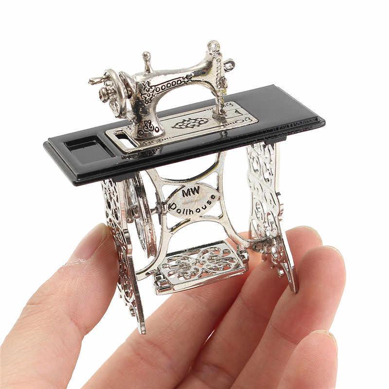 Brinquedo Miniatura Móveis Em Miniatura de Máquina De Costura Do Vintage Presentes Brinquedos Para 1/12 Boneca Casa Decoração Retro Crianças Brinquedos Acessórios