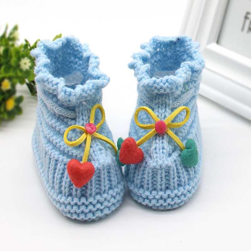 Adorables zapatos de bebé de primavera y otoño para niños, botas de punto de ganchillo para niñas, zapatos de cuna de lana para nieve, botines calientes de invierno 3 colores