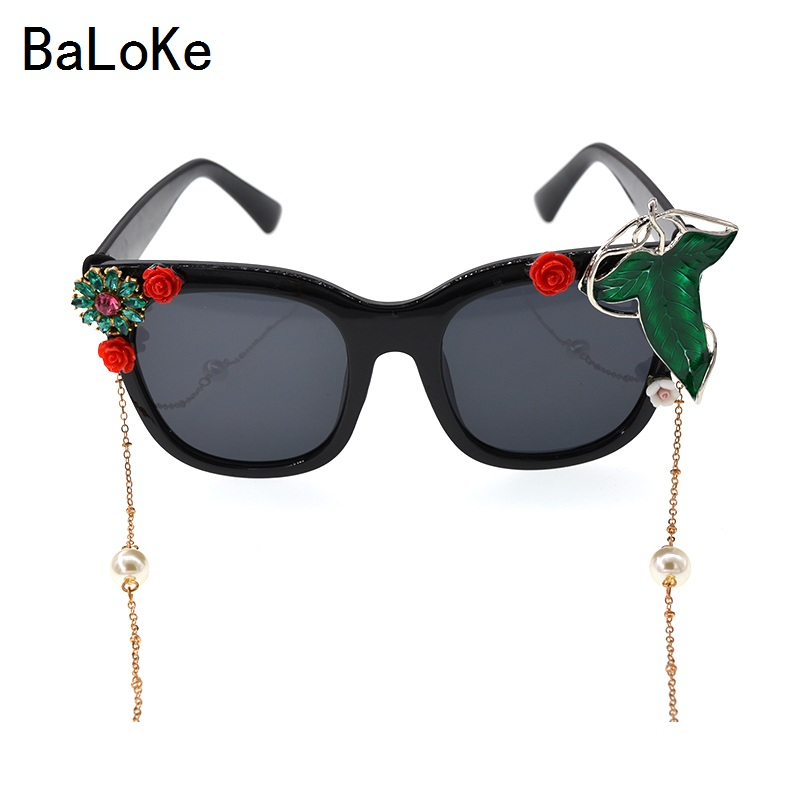 2017 Luxury Designer Baroque Summer Fashion Sunglasses Women Vintage Floral Red Flower Sunglasses Retro Shades Glasses For Girl
