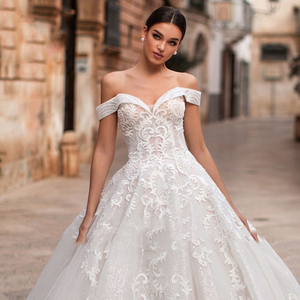 Image 3 - Eightree Elegant Off the Shoulder Ball Gown Sweetheart Appliques Wedding Dress Princess Vestidos De Fiesta De Noche Big Tail