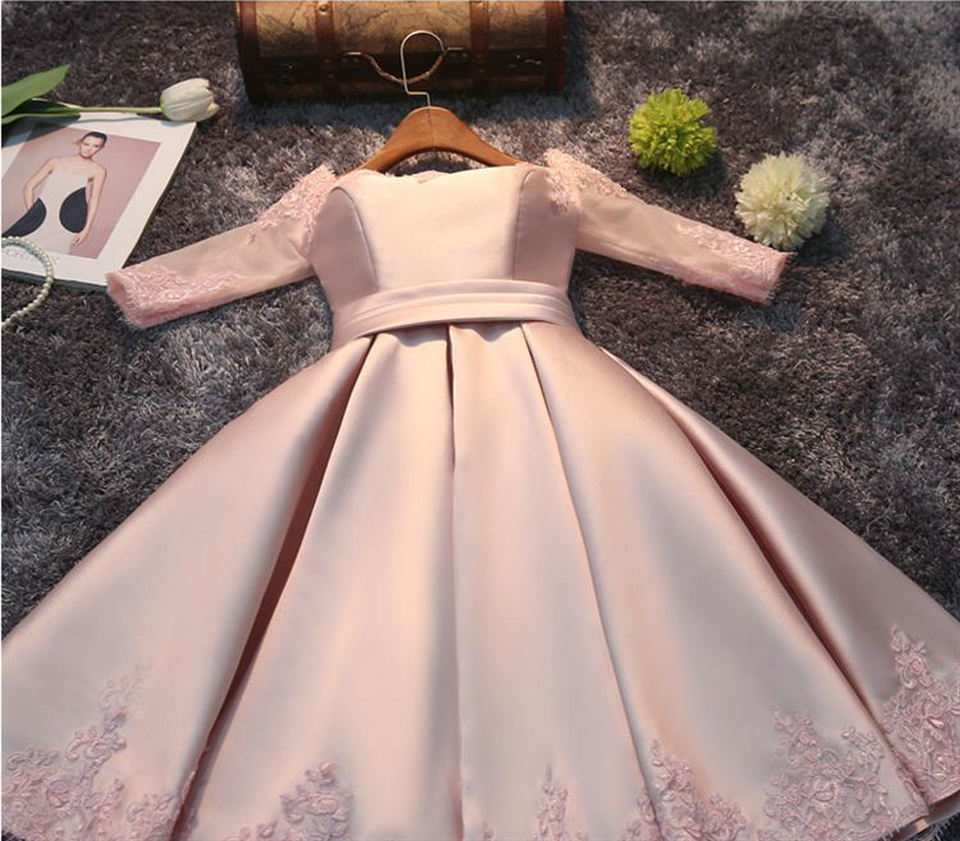 Fashion Pink Prom Dresses Short 2018 New Sexy Prom Dress Boat-Neck Satin Appliques Lace-Up Beach Built-In Bra Party Gowns 4