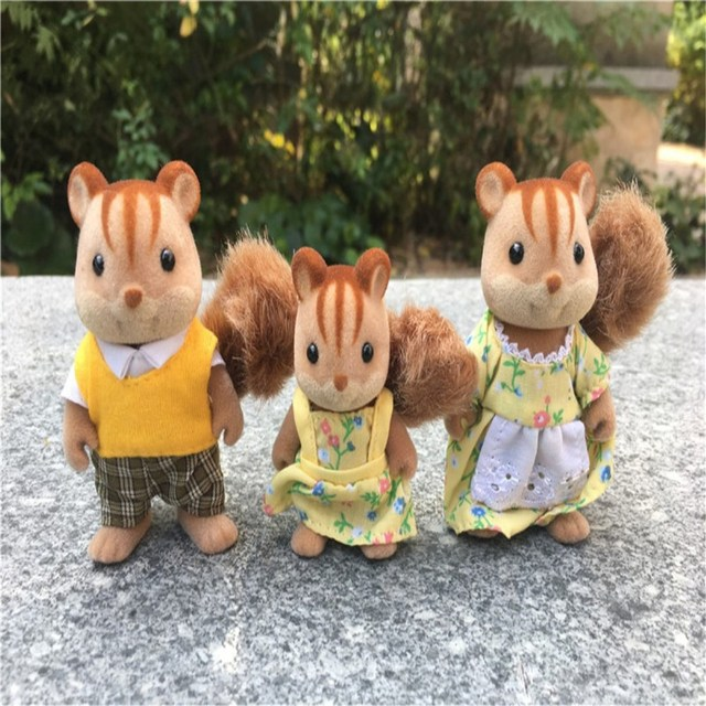 Geniune Sylvanian Families Fuzzy Dolls Action Figures Squirrels Family 3pcs Set Toy Animal New No Package