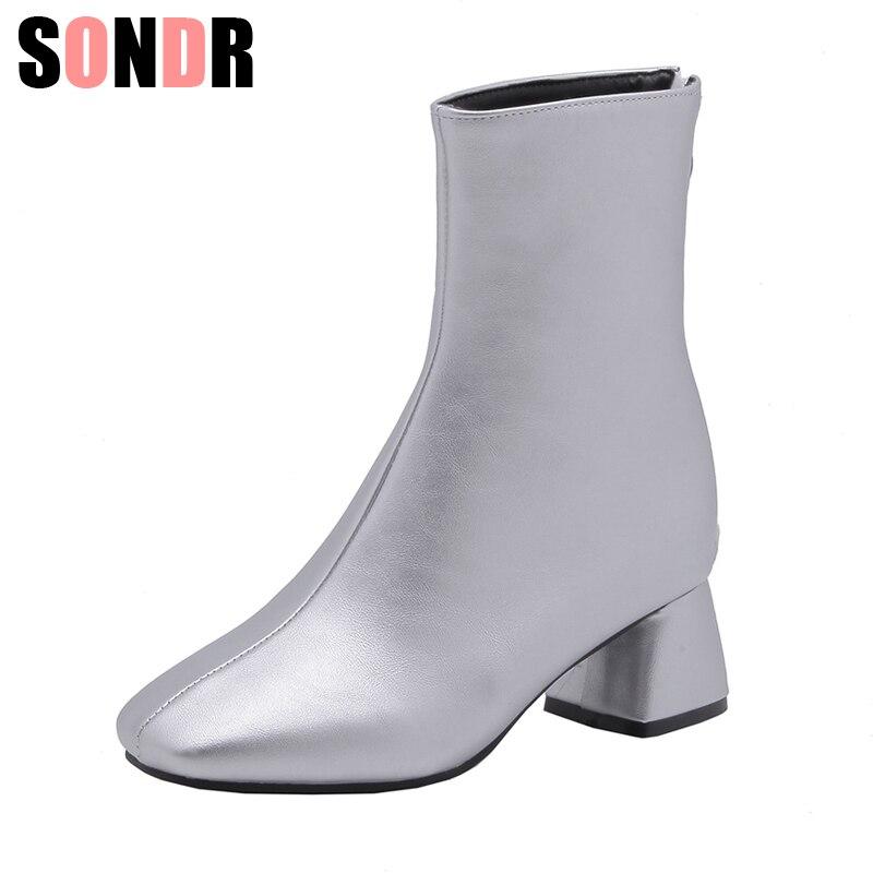 5e1f07c30582a5 Chaud Carré De silver Bottes Femmes Nouvelle Taille Noir Talon Mode Peluche  Fourrure À Pour Arrivée Russe Chaussures ...