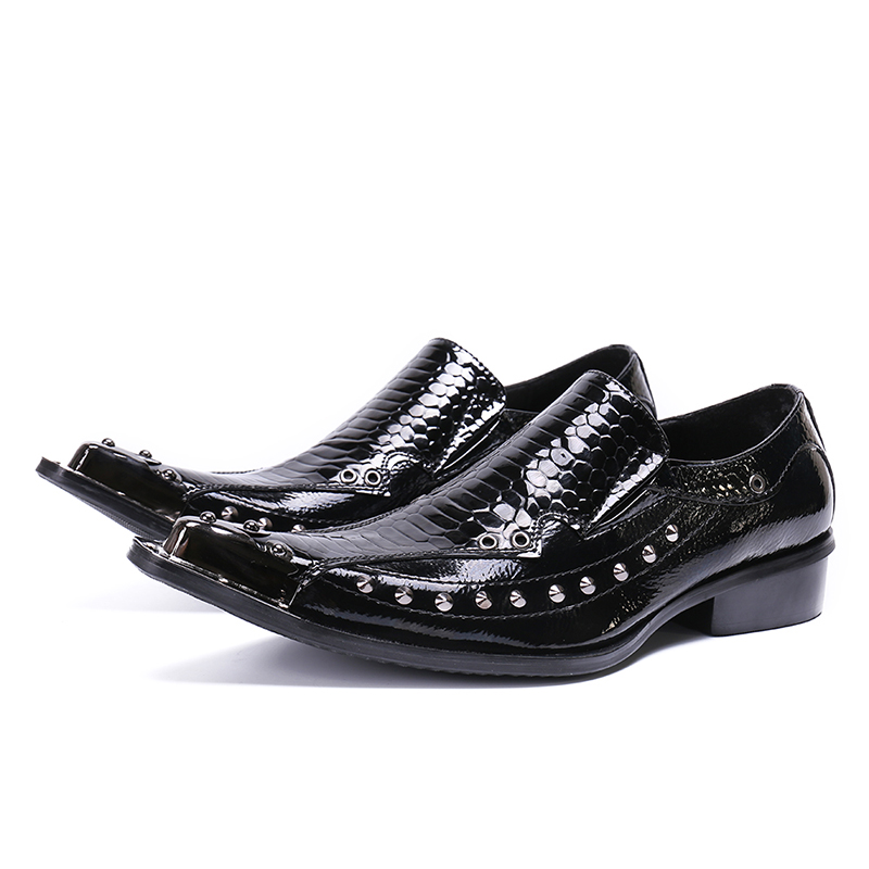 sapato masculino plus size mens dress shoes black patent genuine leather oxford shoes for men steel toe spiked loafers rivets sapato masculino plus size mens dress shoes black patent genuine leather oxford shoes for men steel toe spiked loafers rivets